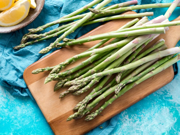 How to Meal Prep asparagus in your Instant Pot! How to meal prep anything in the instant pot: veggies edition. Use your Instant Pot Pressure Cooker to make vegetable meal prep fast and easy. Bulk cook your veggies and season them to go with a wide variety of prepped meals! Lots of meal ideas, seasonings, tips, tricks and recipes. #mealprep #instantpot #veggies #pressurecooker #healthyeating #cleaneating