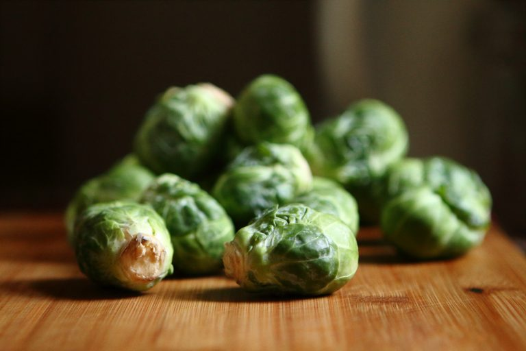 How to Meal Prep brussel sprouts in your Instant Pot! How to meal prep anything in the instant pot: veggies edition. Use your Instant Pot Pressure Cooker to make vegetable meal prep fast and easy. Bulk cook your veggies and season them to go with a wide variety of prepped meals! Lots of meal ideas, seasonings, tips, tricks and recipes. #mealprep #instantpot #veggies #pressurecooker #healthyeating #cleaneating