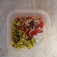 Simple Meal Prep lunch tuna salad. Tangy tuna salad meal prep made with dill pickles and pickled hot peppers. #mealprep #tunasalad #spicy #healthymealprep