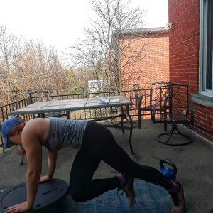 bosu contralateral mountain climber for core strength