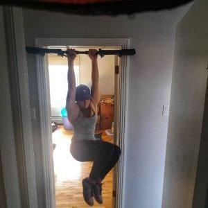 hanging leg twist for core strength