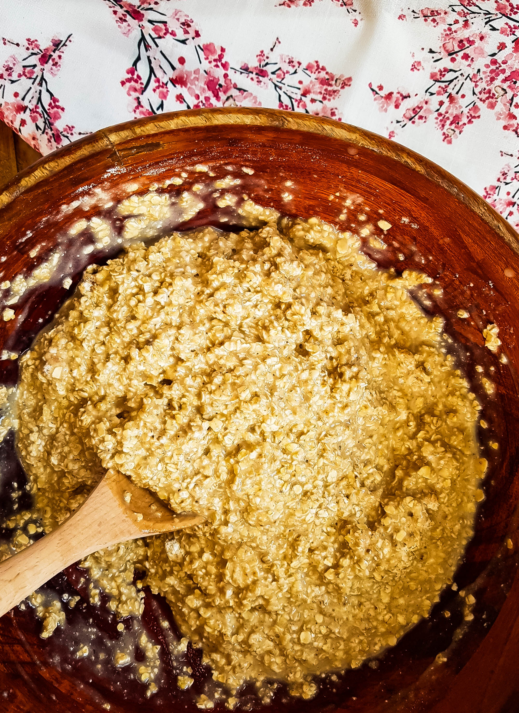 protein oatmeal bake ingredients mixed in bowl